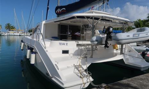 Image of Robertson and Caine Leopard 48 for sale in French Polynesia for €419,000 (£379,746) Raiatea, French Polynesia