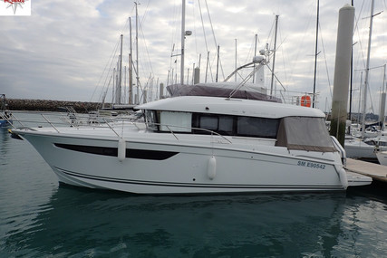 Jeanneau Velasco 43 for sale in France for €285,000 (£261,670)