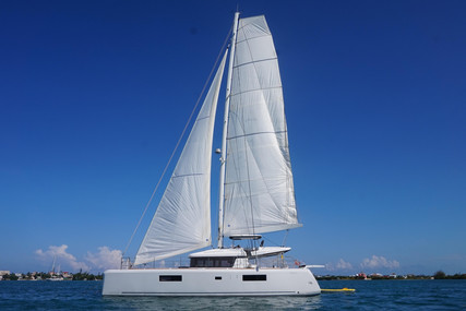 Lagoon 52 for sale in Guatemala for $1,050,000 (£823,995)