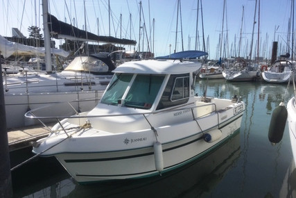 Jeanneau Merry Fisher 605 Marlin for sale in France for €12,500 (£11,392)