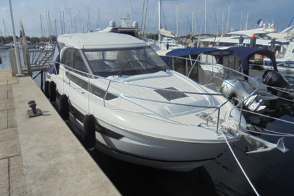 Jeanneau Leader 33 for sale in France for €215,000 (£197,400)