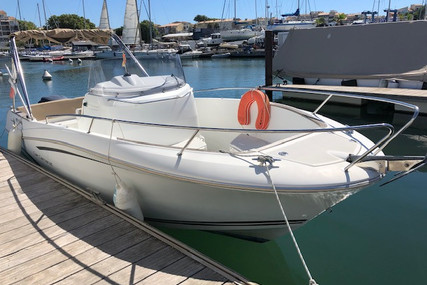 Jeanneau Cap Camarat 7.5 Cc for sale in France for €32,900 (£30,157)