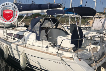Jeanneau Sun Odyssey 36i for sale in France for €72,000 (£66,015)
