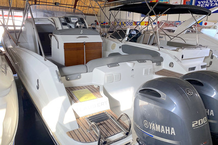 Beneteau Flyer 850 Sundeck for sale in Spain for €69,000 (£62,950)