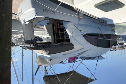 Beneteau Antares 30 Fly for sale in France for €110,000 (£100,995)