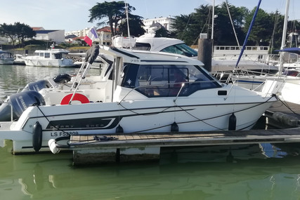 Jeanneau Merry Fisher 795 for sale in France for €50,900 (£46,733)