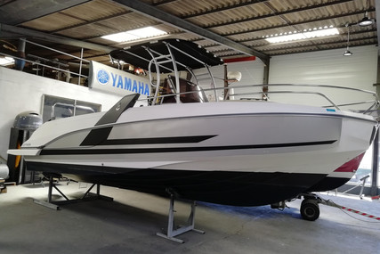 Beneteau Flyer 7.7 Spacedeck for sale in France for €46,000 (£42,234)