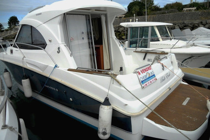 Beneteau Antares 8S for sale in France for €56,000 (£51,416)
