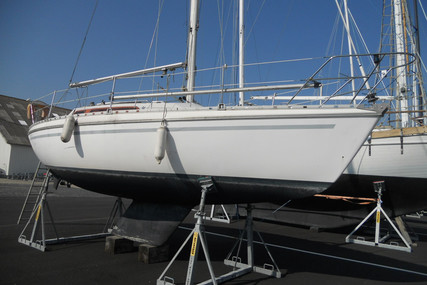Jeanneau Aquila 27 for sale in France for €9,500 (£8,722)