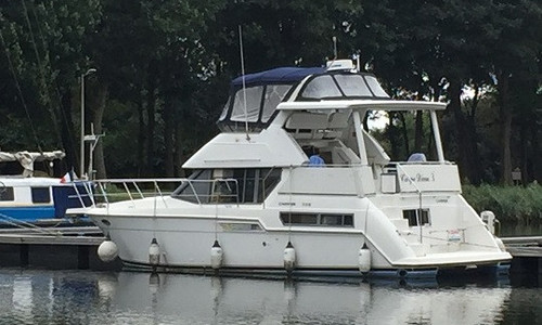 Image of Carver Yachts 355 for sale in  for €54,000 (£49,498) SAINT HILLAIRE PETTIVILLE, ,
