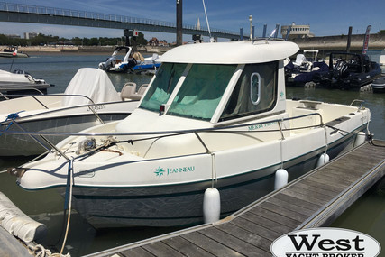 Jeanneau Merry Fisher 605 for sale in France for €12,200 (£11,145)