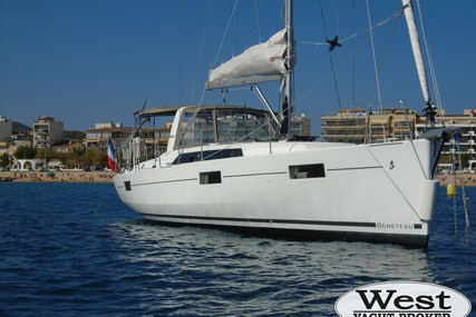 Beneteau Oceanis 41.1 for sale in France for €207,700 (£189,739)