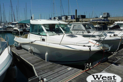 Jeanneau Merry Fisher 725 for sale in France for €29,500 (£27,041)
