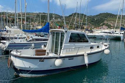 Orion Yachts CORAL 27 for sale in Italy for €33,000 (£30,137)