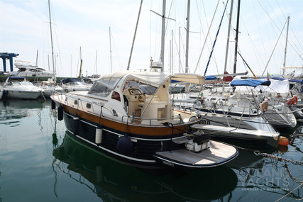 Apreamare 38 for sale in Italy for €199,000 (£182,587)