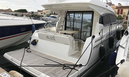 Image of Prestige 420 for sale in France for €415,000 (£380,402) Grimaud, Grimaud, France