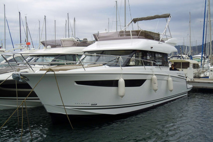 Jeanneau Velasco 43F for sale in France for €295,000 (£268,861)