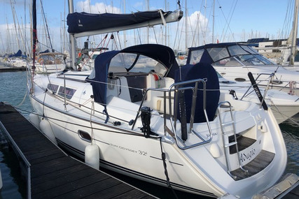 Jeanneau Sun Odyssey 32i for sale in France for €49,500 (£45,206)