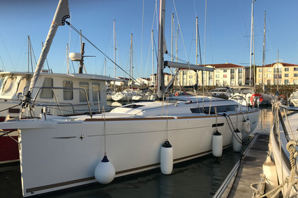 Jeanneau Sun Odyssey 389 for sale in France for €149,500 (£136,531)