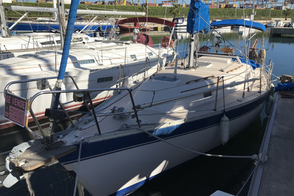 Irwin Yachts 31 for sale in Spain for €26,000 (£23,720)