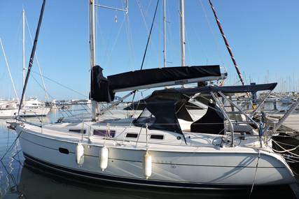 Hunter 36 for sale in Spain for €75,000 (£64,837)