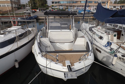 Beneteau Flyer 8.8 SpaceDeck for sale in Spain for €89,000 (£81,197)