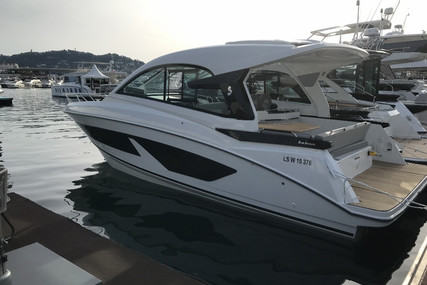Beneteau GRAN TURISMO 32 for sale in France for €239,000 (£218,267)