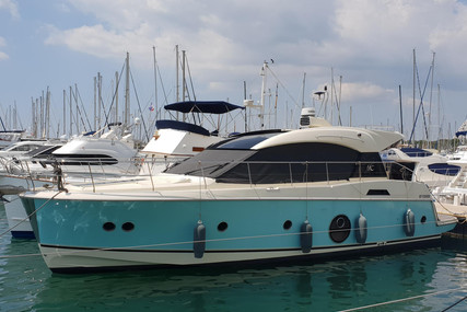 Beneteau MC 5 S for sale in France for €437,000 (£400,568)