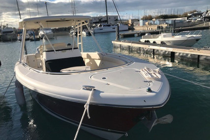 Pursuit 310 S for sale in France for €124,000 (£112,383)