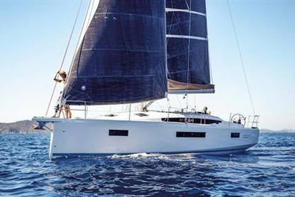 Jeanneau Sun Odyssey 410 for sale in Ireland for €299,000 (£270,988)