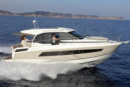 Jeanneau NC 33 for sale in Ireland for €329,000 (£300,459)