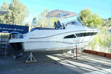 Jeanneau Cap Camarat 9.0 wa for sale in France for €149,000 (£136,074)
