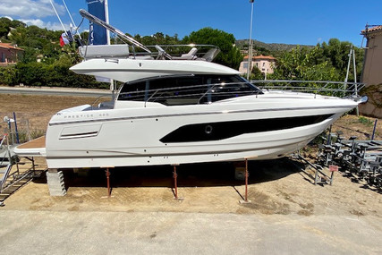Prestige 420 for sale in France for €625,000 (£573,837)