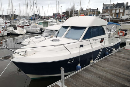 Beneteau Antares 9 for sale in France for €49,000 (£44,915)