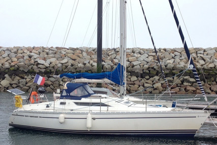 Jeanneau Sun Odyssey 30 for sale in France for €24,900 (£22,725)