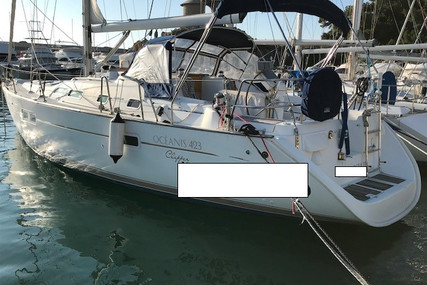 Beneteau Oceanis 423 Clipper for sale in France for €79,000 (£72,152)
