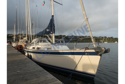 Hallberg-Rassy 372 for sale in France for €225,000 (£205,064)