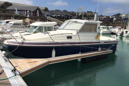 Beneteau Antares 800 for sale in France for €20,000 (£18,265)