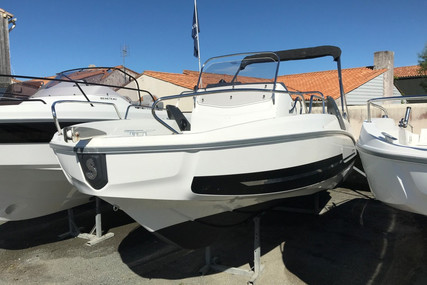 Beneteau Flyer 6.6 Spacedeck for sale in France for €40,500 (£36,017)