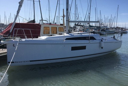 Beneteau Oceanis 30.1 for sale in France for €127,880 (£111,110)