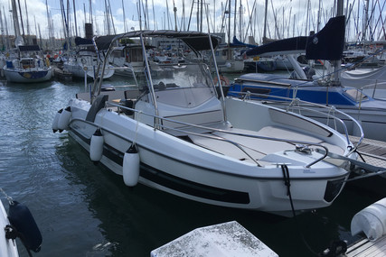 Beneteau Flyer 7.7 Spacedeck for sale in France for €49,000 (£44,989)
