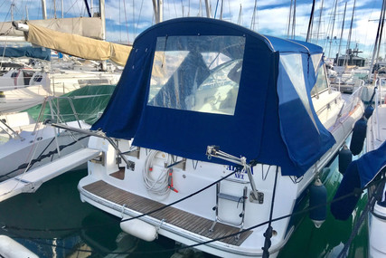Beneteau Ombrine 900 for sale in France for €45,000 (£41,109)