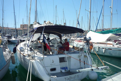 Beneteau Oceanis 37 for sale in France for €86,000 (£78,563)