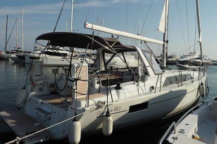 Beneteau Oceanis 41.1 for sale in France for €225,000 (£205,343)