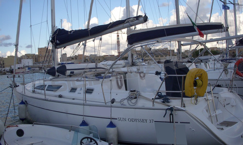 Image of Jeanneau Sun Odyssey 37 for sale in Italy for €52,000 (£47,743) Sicilia, Sicilia, , Italy