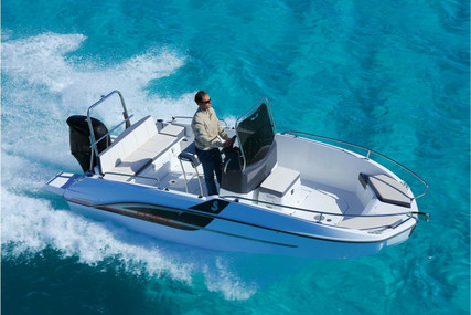 Beneteau Flyer 5.5 Spacedeck for sale in France for €32,608 (£29,890)