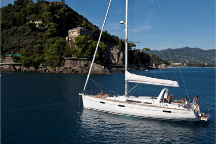 Beneteau Oceanis 45 for sale in Portugal for €215,000 (£196,408)