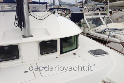 Lagoon 380 for sale in Italy for €160,000 (£145,823)