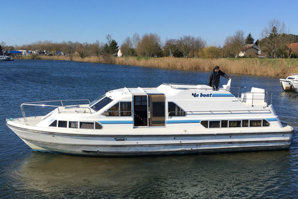 Crown Cruiser 37 CRUSADER for sale in France for €55,000 (£49,010)
