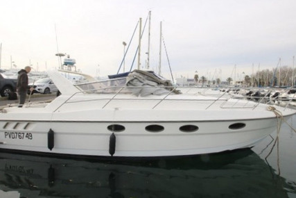 Fairline Targa 33 for sale in France for €28,000 (£25,573)